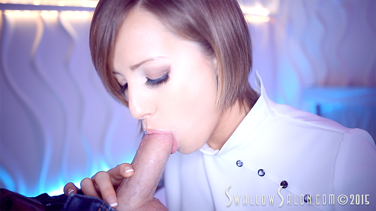 Amateur allure swallow beautiful green eye 3