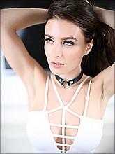 Meet sexy Lana